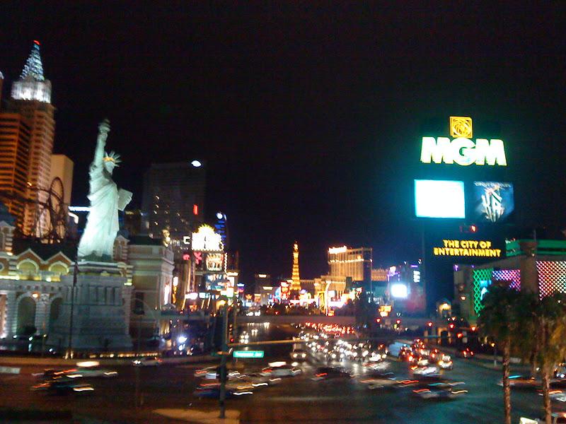 Las Vegas By Night / Las Vegas De Noche / As Vegas Pola