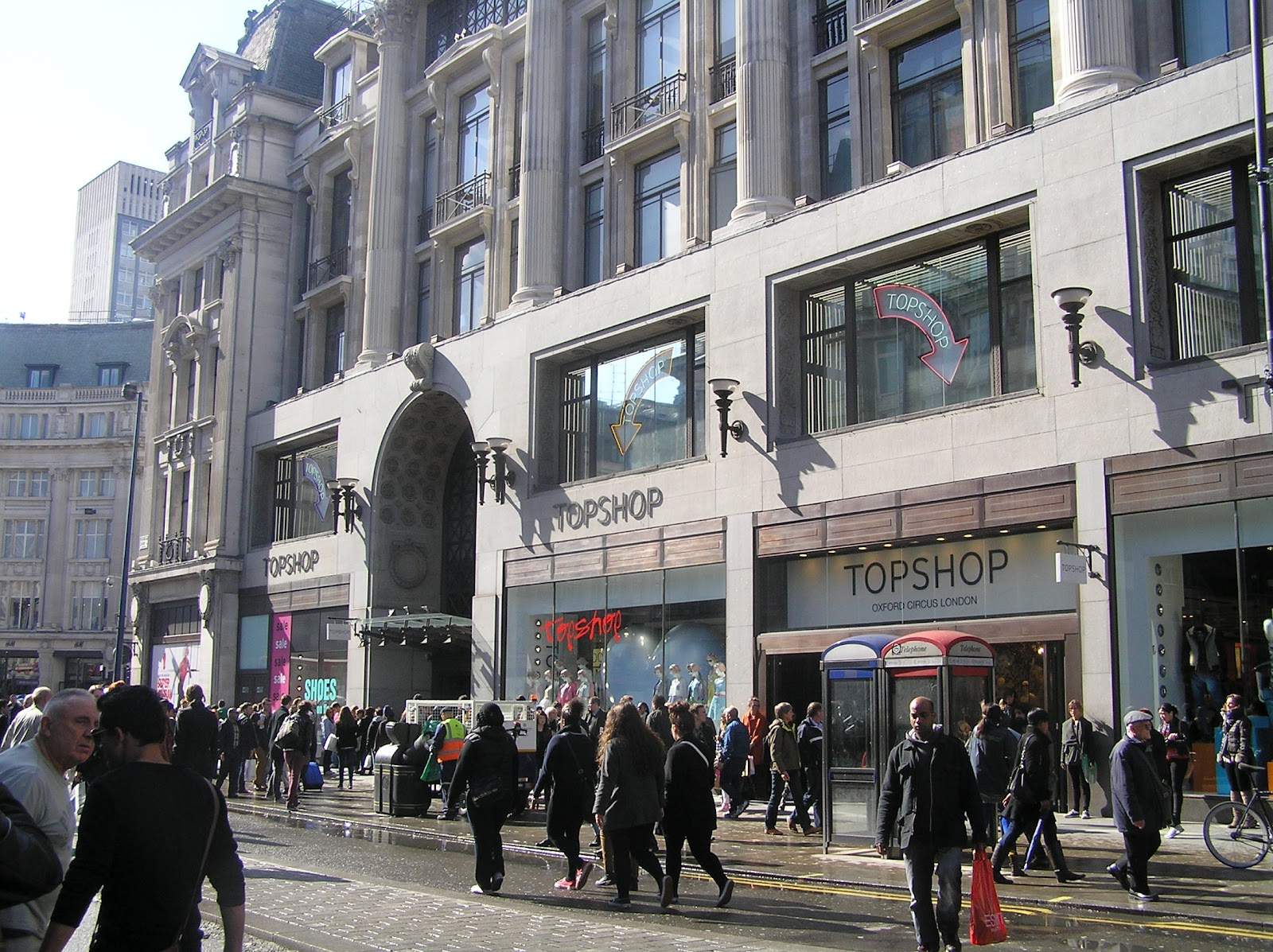 London top shops in oxford st carnaby regent st and picadilly londres tiendas en oxford - Bershka en londres ...