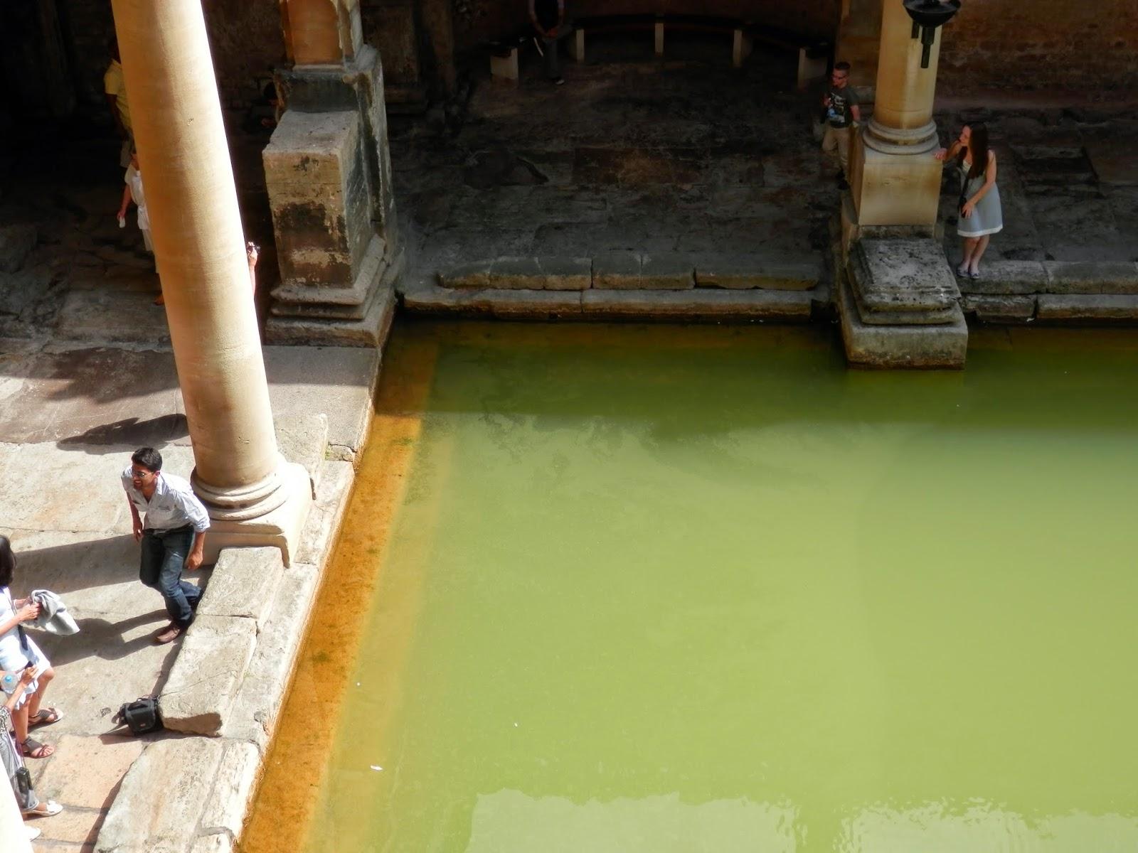 Baños Romanos Inglaterra:By EVPita (2013) , Britannia: Aquae Sulis (Bath) Roman baths / Por E