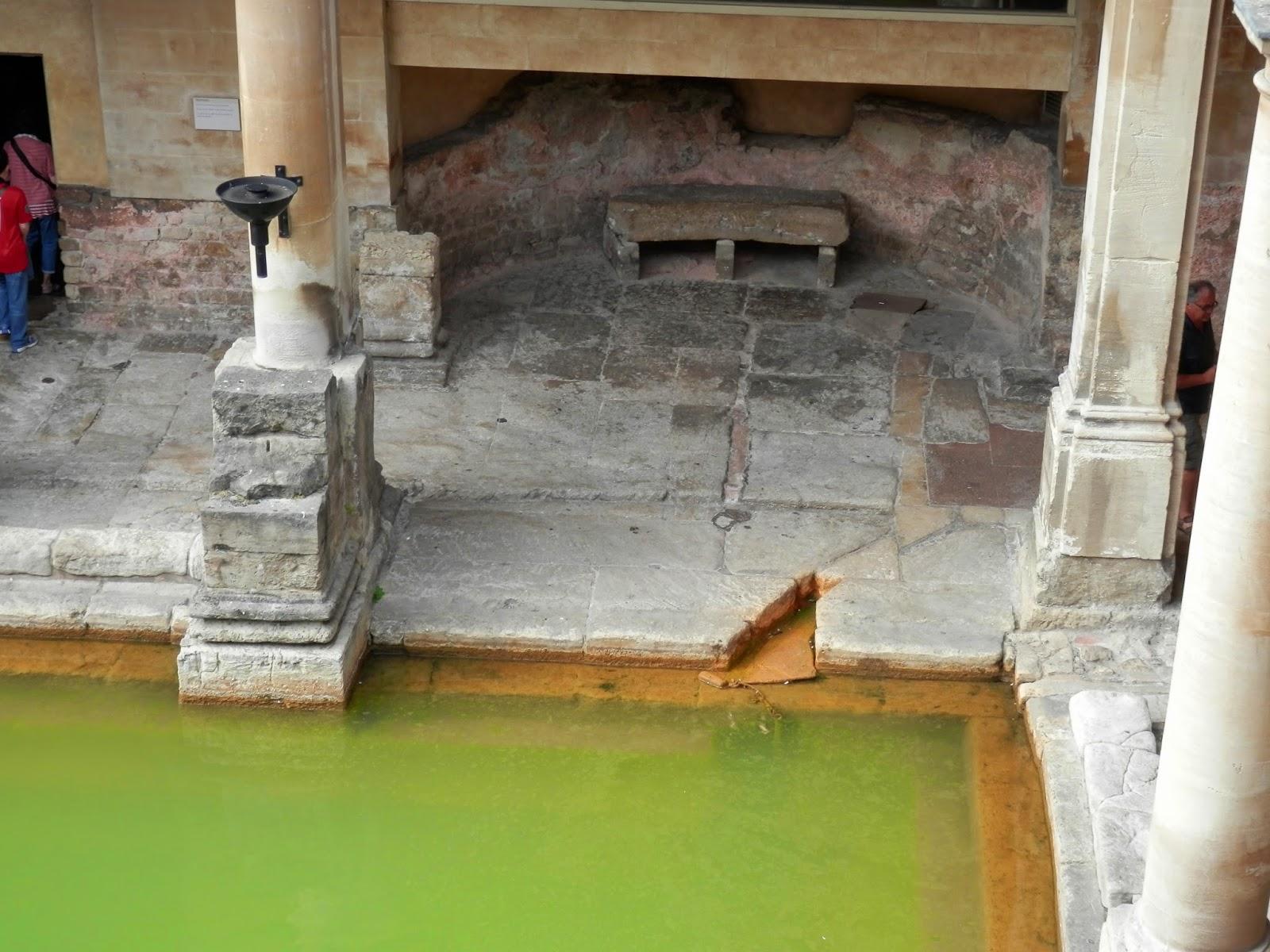 Baños Romanos Bath Inglaterra:Roman baths of Bath (England) / Termas romanas de Bath (Inglaterra
