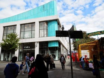 By E.V.Pita; Zara shops in UK,  Belgium, Luxembourg,Germany, Nederland / Por E.V.Pita; Tiendas de Zara en Inglaterra, Bélgica, Holanda, Alemania, Luxemburgo