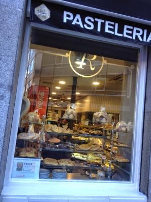by E.V.Pita... Sweet shops in Madrid / por E.V.Pita... Tiendas de dulces en Madrid / por E.V.Pita...Tendas de larpeiros en Madrid... http://picturesplanetbyevpita.blogspot.com/2014/11/sweet-shops-in-madrid-tiendas-de-dulces.html